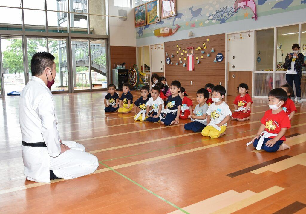 幼稚園空手(正座)